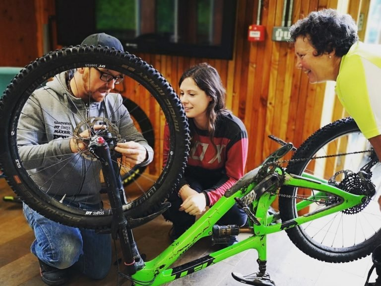 Mountain bike maintenance course, Short courses, south wales, MTB leadership, British cycling